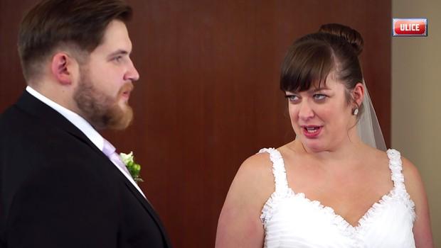 Svatba v Ulici málem nebyla! Zapotil se režisér i představitelka Venduly
