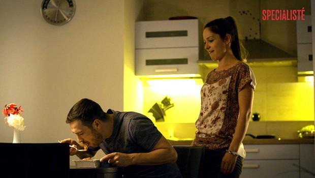 VIDEO: Lasagne, nebo přítelkyně v podvazkách? Hádejte, co si Jarda Čermák vybere!