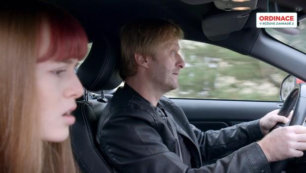 Autonehodu Štefana a Júlie doprovází mnoho tajemství! Co jste o této scéně nevěděli?